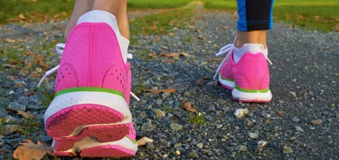 women wearing top walking shoe model